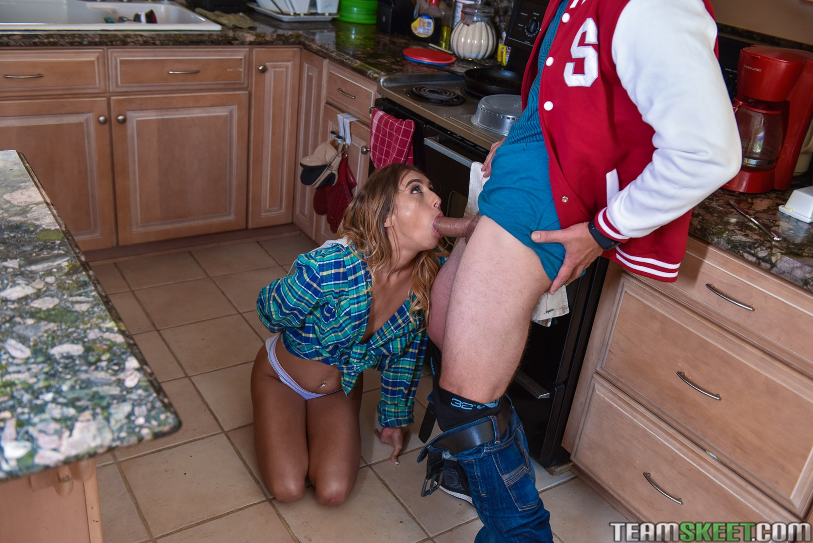 Team Skeet 'Drink Skeet To Grow Ten Feet' starring Raquel Diamond (photo 96)