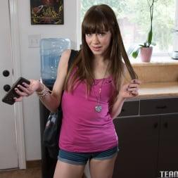 Alexa Nova in 'Team Skeet' Back To The Curb You Go! (Thumbnail 32)