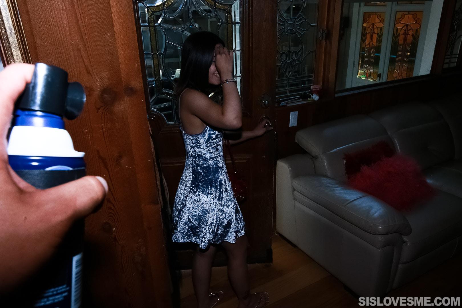 Team Skeet 'Stepsis Blows My Bullhorn' starring Aria Lee (Photo 13)