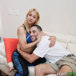 Aubrey Sinclair in 'Team Skeet' Be A DIck To Get The Pussy (Thumbnail 84)