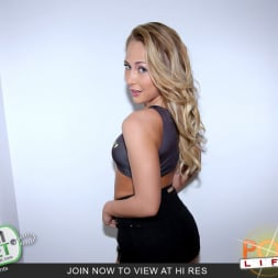 Carter Cruise in 'Team Skeet' Wanna See My Hot Lil Body (Thumbnail 1)