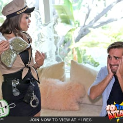 Cassidy Banks in 'Team Skeet' Not Your Average Cop (Thumbnail 2)