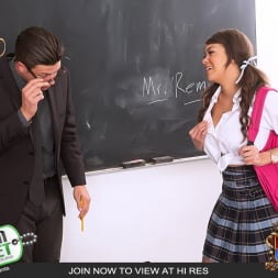 Cassidy Banks in 'Team Skeet' Teachers Assistant Gets Fucked (Thumbnail 2)