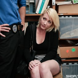 Fallon Love in 'Team Skeet' Case No. 7547217 (Thumbnail 9)