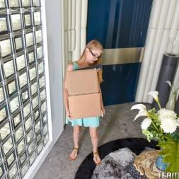 Hannah Hays in 'Team Skeet' Little Girl With Big Responsibilities (Thumbnail 1)