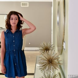 Izzy Bell in 'Team Skeet' Arts And Sex Crafts (Thumbnail 9)