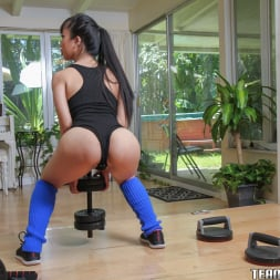 Jade Kush in 'Team Skeet' The Realest Workout (Thumbnail 33)