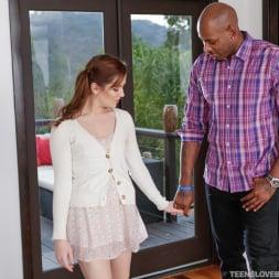 Kasey Warner in 'Team Skeet' Daughter Does A Good Deed (Thumbnail 108)