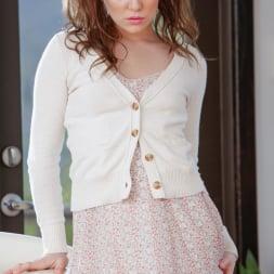 Kasey Warner in 'Team Skeet' Daughter Does A Good Deed (Thumbnail 12)