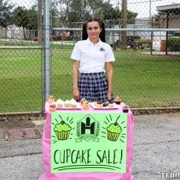 Kharlie Stone in 'Team Skeet' Kharlies Cupcake Sale (Thumbnail 1)