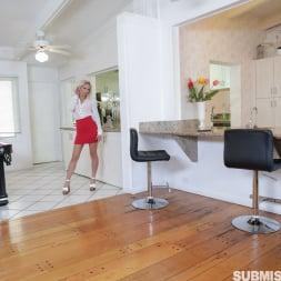 Khloe Kapri in 'Team Skeet' Spanking A Submissive Scammer (Thumbnail 1)