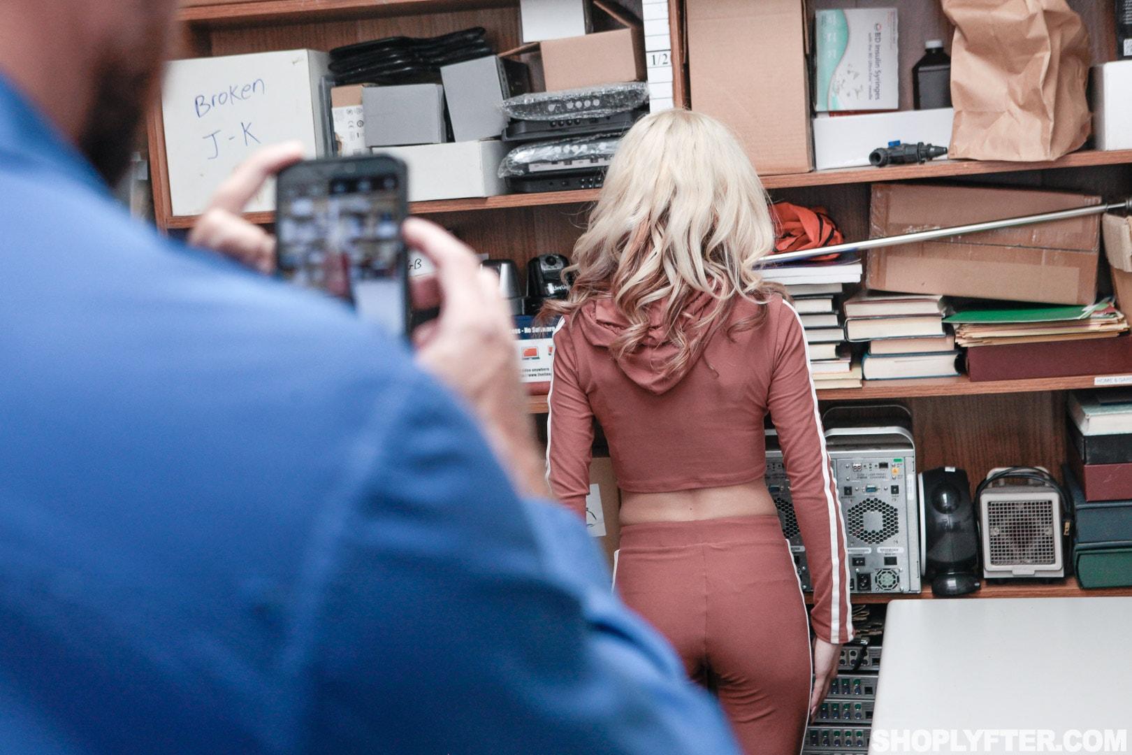 Team Skeet 'Case No. 111392' starring Kiara Cole (Photo 16)