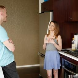 Kristen Scott in 'Team Skeet' I Cant Reach (Thumbnail 33)