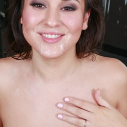 Kylie Kalvetti in 'Team Skeet' Cosmetic Cum Treatment (Thumbnail 176)