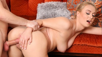 Natalia Starr in 'Tindr for stepsibs '