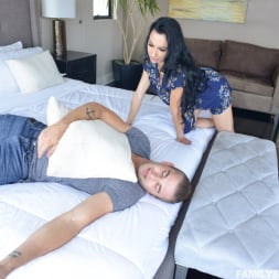 Portia Harlow in 'Team Skeet' Getting To Know My Sexy Aunt (Thumbnail 72)