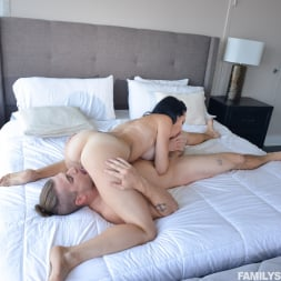 Portia Harlow in 'Team Skeet' Getting To Know My Sexy Aunt (Thumbnail 99)