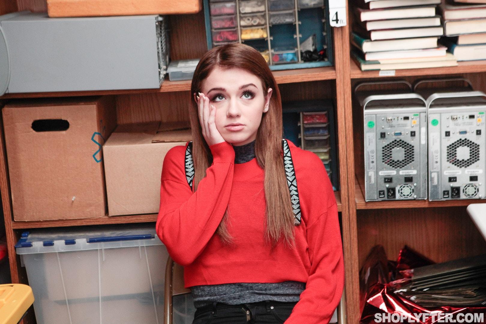 Team Skeet 'Case No. 2463827' starring Rosalyn Sphinx (Photo 3)