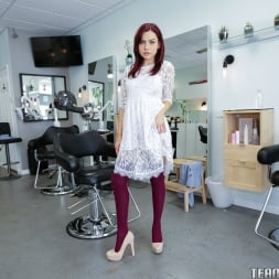 Sabina Rouge in 'Team Skeet' Full Service Hair Salon (Thumbnail 1)