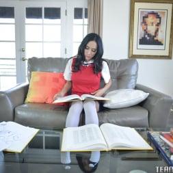 Sadie Pop in 'Team Skeet' Nympho Tries To Study (Thumbnail 10)