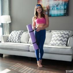 Sara Luvv in 'Team Skeet' Yoga Can Wait (Thumbnail 8)