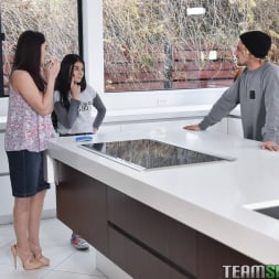 Sheena Ryder in 'Team Skeet' No Navy For My Baby (Thumbnail 2)