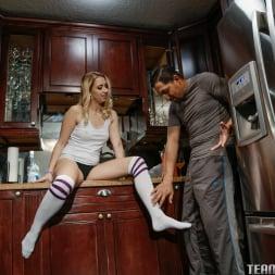 Sierra Nicole in 'Team Skeet' Cant See Where Im Cumming (Thumbnail 10)