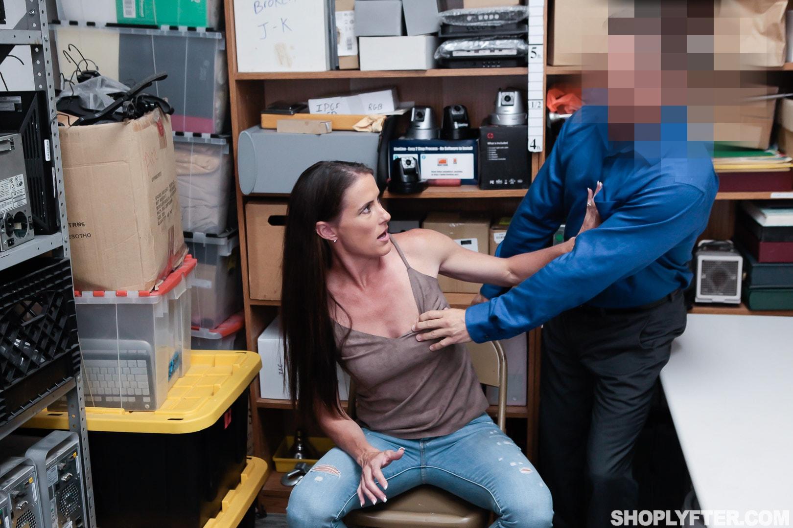 Team Skeet 'Case No. 4185156' starring Sofie Marie (Photo 18)