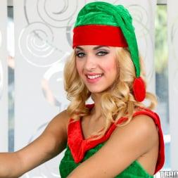 Uma Jolie in 'Team Skeet' Extra Small Elf on The Shelf (Thumbnail 11)